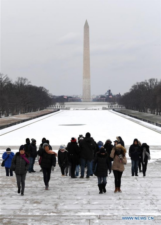 At least 11 dead in link with severe cold in U.S.
