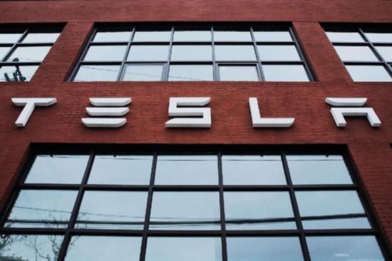 特斯拉再度推迟Model 3产量目标