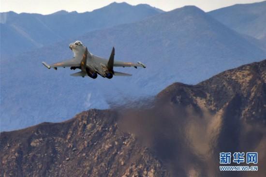 (图文互动)(1)中国空军歼-20等多型新机实战实训制胜空天
