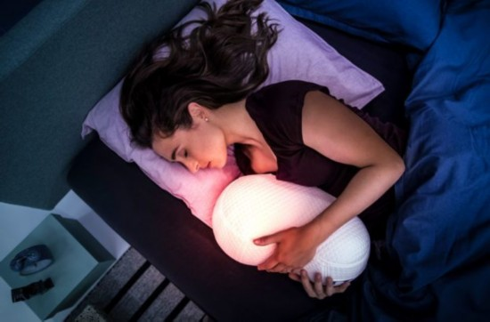 失眠不怕!CES上发布了一款助眠呼吸机器人