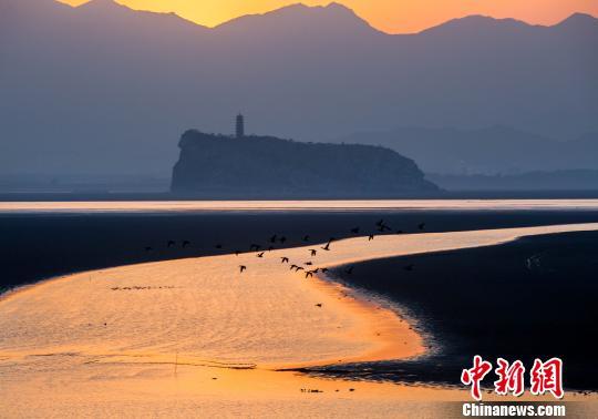 夕照鄱阳湖口美如画