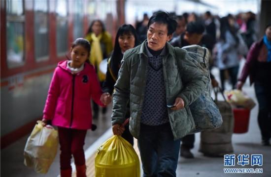旅客回家之路多了许多便捷和通畅,春运在民众和媒体的眼里,已经不在是一个悲壮的词语。