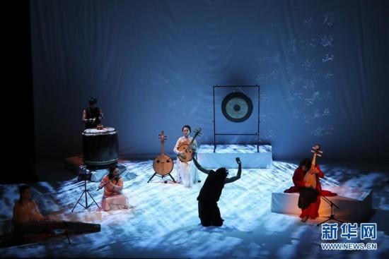 (国际)(1)中国音乐剧场《霸王》纽约上演