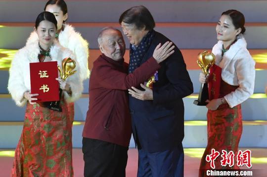 中国民间文艺山花奖揭晓冯骥才、乌丙安获终身成就奖