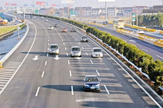 江广高速泰州段扩容八车道工程全线通车