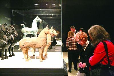 """""""帝国时代:中国秦汉文明""""特展吸引美国观众"""