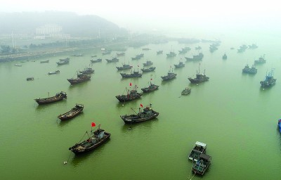 连云港遭遇大雾天气 群众生产生活受到一定影响