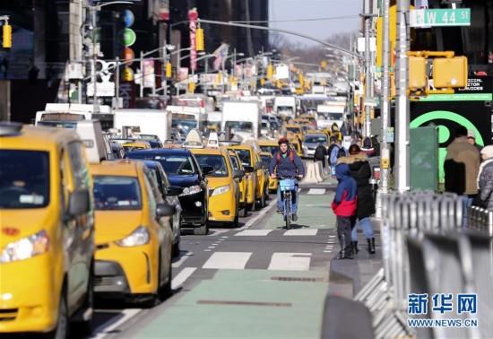 (国际)(1)纽约市计划增设更多自行车道确保骑行安全