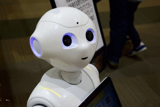 机器人在英国超市打工 但一周就被