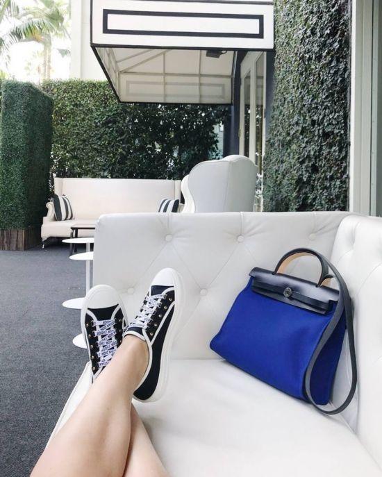 鞋履来自Dior