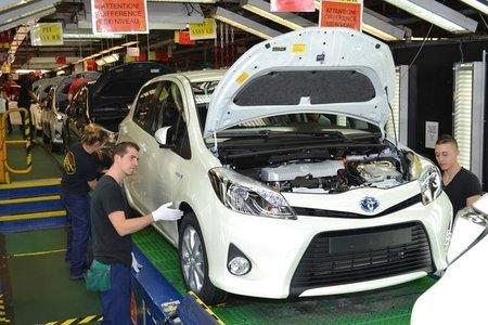丰田将在法国投资3亿欧元法国总统视察工厂