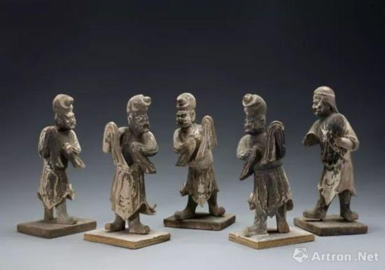 焦作市文化馆向焦作市博物馆移交五件舞蹈木俑