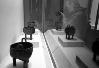 """""""爱国情怀——章乃器捐献文物展""""在中国国家博物馆开幕"""