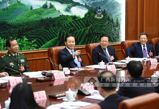 彭清华参加百色市代表团审议 牢牢把握高质量发展根本要求