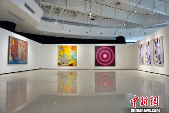"""20名当代抽象艺术家重庆共探抽象艺术现状与""""无限可能"""""""