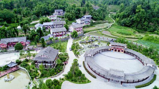 播州区平正仡佬族乡旅游区公路。