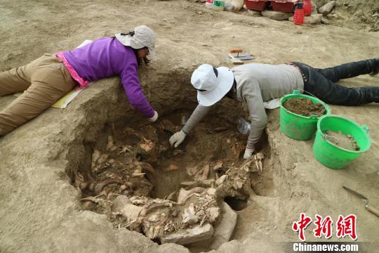 考古发现西藏西部高原丝绸之路重要文物遗存