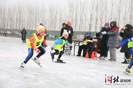 中国 保定2018京津冀大众冰雪短道速滑比赛在涿州举办