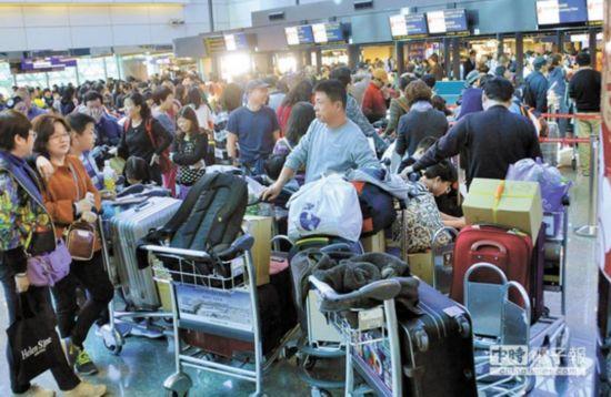 台媒:蔡当局砍176班春节加班机 台湾旅游业损失9亿
