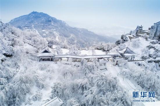 #(环境)(2)雪后初霁木兰山