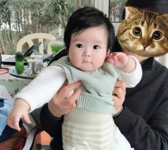 王励勤女儿首曝光妻子微博留言:我叫王小鹅