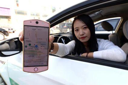 春节临近 共享租车成香港同胞返乡新风尚