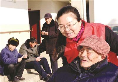 """江苏仪征30人义工队伍10年""""壮大""""成3200人"""