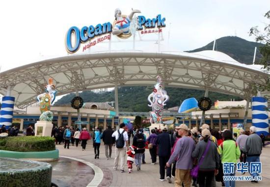 (图文互动)(1)香港2017年零售与旅游双双止跌回升