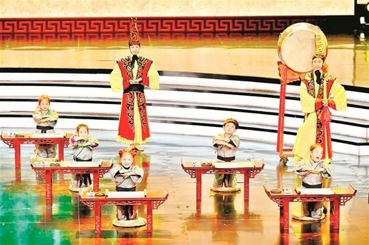 """草根""""民星""""迎新年 2018全国社区网络春晚在汉录制"""