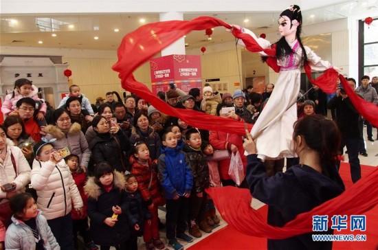 (明升88)(1)上海:市民体验年俗风情