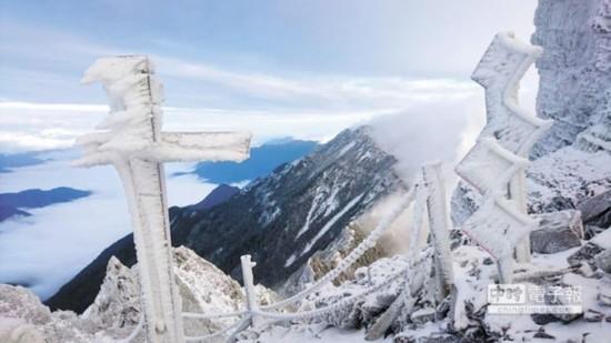 台湾也下雪了!这个冬天去台湾看雪赏梅吧