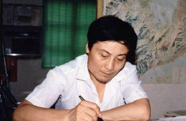 1989年,宗庆后在办公室里。