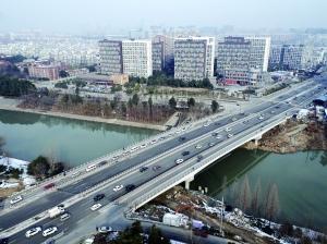 南京铁心桥全线通车 早高峰车行非常流畅