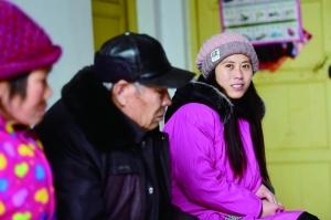 家有4名残疾人 徐州女孩不离不弃成家庭顶梁柱