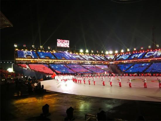 中国代表团进入会场