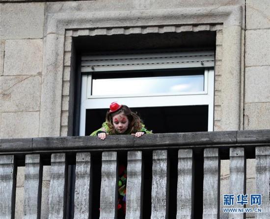 """(国际)(6)科隆狂欢节上演""""玫瑰星期一""""大游行"""