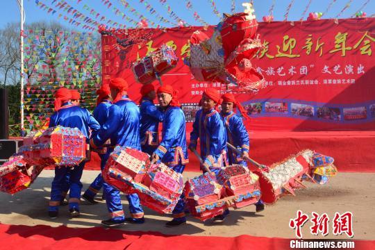 """新年将至江西多地""""玩""""民俗迎新春"""
