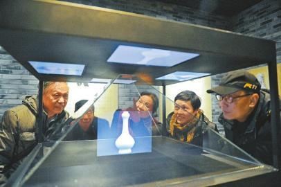 四川:博物馆推出文博大餐 为春节增添文化气氛