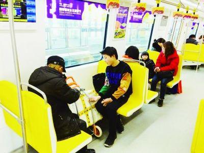 南京宁高城际首迎春节长假 客流量每天过万