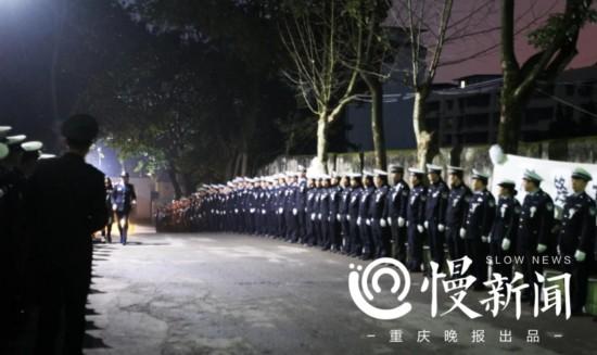 千余人送别英雄杨雪峰 市公安局追记一等功