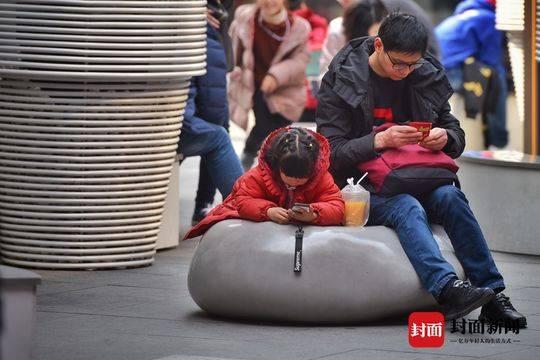 春节里的超级奶爸 三头六臂无所不能