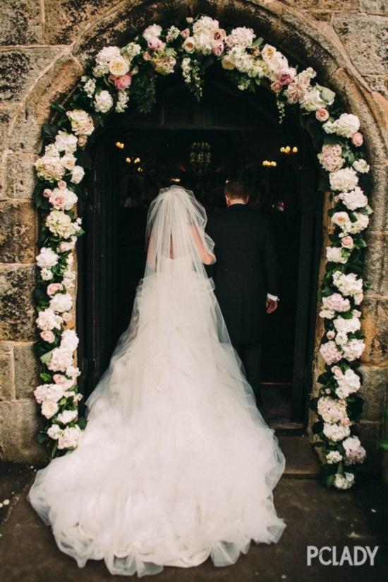 一套适合嫁衣,才配得上一场纯真的爱情