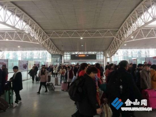 春节长假铁路镇江站共发送旅客11.8万人次