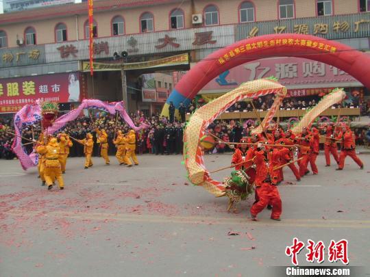 河北隆尧南鱼龙灯:老传统舞出新风尚