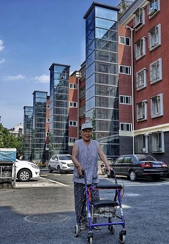 北京老楼实行付费乘电梯社区居民:太需要了