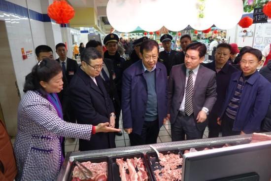自治區副主席李彬到桂林、南寧檢查春節期間食品藥品安全工作