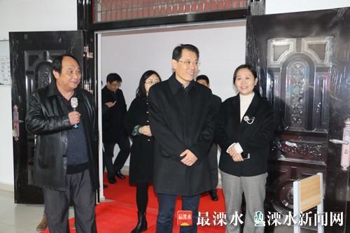 区委常委会集体调研晶桥2.jpg