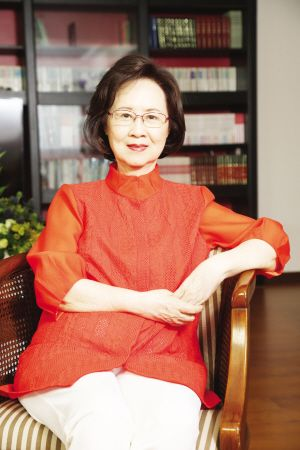 琼瑶:林青霞在女演员中不是最漂亮的,但她很特别