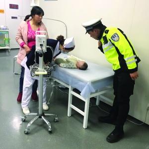 泰州婴儿生命垂危 三地交警接力护送转院南京
