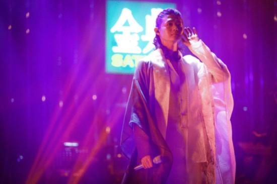 霍尊踢馆《歌手》 演唱《甄�执�》主题曲《红颜劫》